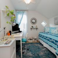 Manor House Bedroom #4
